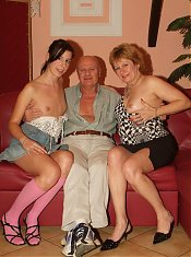 Mature friends Elvira and Martha pleasure a cock at the same time and got alternately fucked